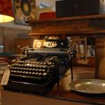 Eine antike Schreibmaschine.
